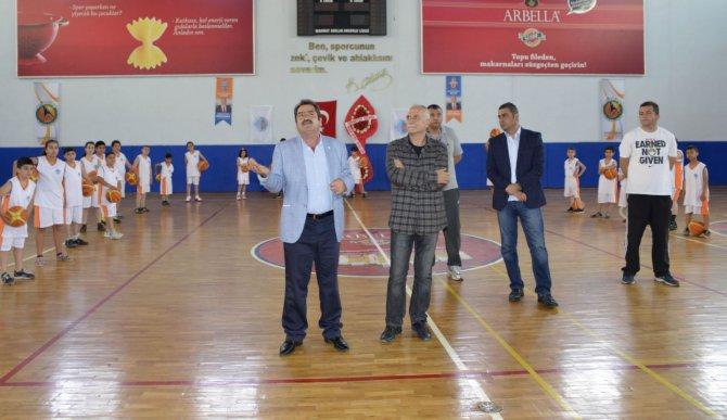 (6)-basketbol-akademisi-acildi.jpg