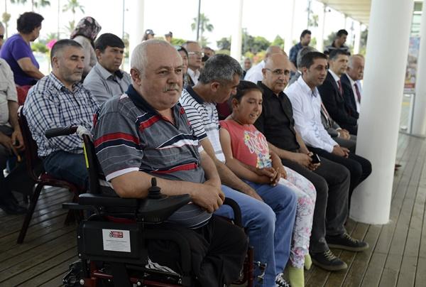 akulu-sandalyeler-sahiplerini-buldu-(2).jpg