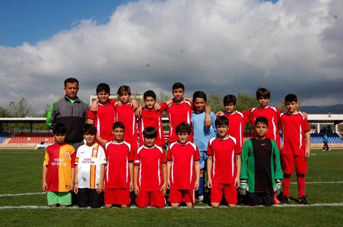 buyuksehir'den-23-nisan-futbol-turnuvasi-(2).jpg