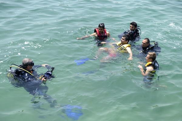 mersin-buyuksehir-havuzda-baslayan-projeyi-denize-tasidi-(8).jpg
