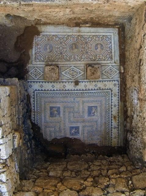 mersin-de-1800-yillik-mozaik-bulundu-61195-1.jpg