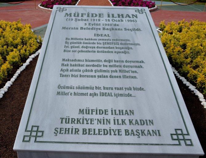 mufide-ilhan-heykeli-acildi-(4).jpg
