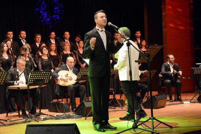 turk-sanat-muzigi-konseri-ile-gecmise-yolculuk-(8).jpg